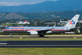 N687AA - American Airlines Boeing 757-200