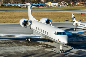 M-UGIC - Private Gulfstream Aerospace G-V, G-V-SP, G500, G550