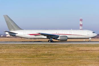 N423AX - Omni Air International Boeing 767-300ER