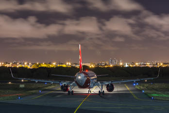 PR-ONZ - Avianca Brasil Airbus A320