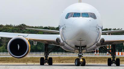 D-ABUO - Condor Boeing 767-300