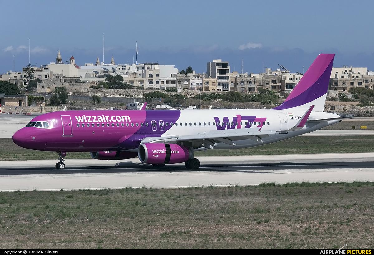 Wizz Air HA-LYB aircraft at Malta Intl