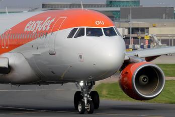 G-EZOU - easyJet Airbus A320
