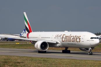 A6-EGJ - Emirates Airlines Boeing 777-300ER