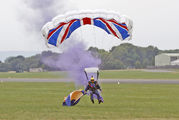 - - The Tigers Parachute Display Team Parachute Military aircraft