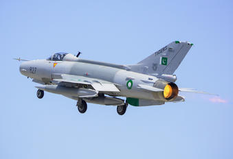 02-827 - Pakistan - Air Force Chengdu F-7PG