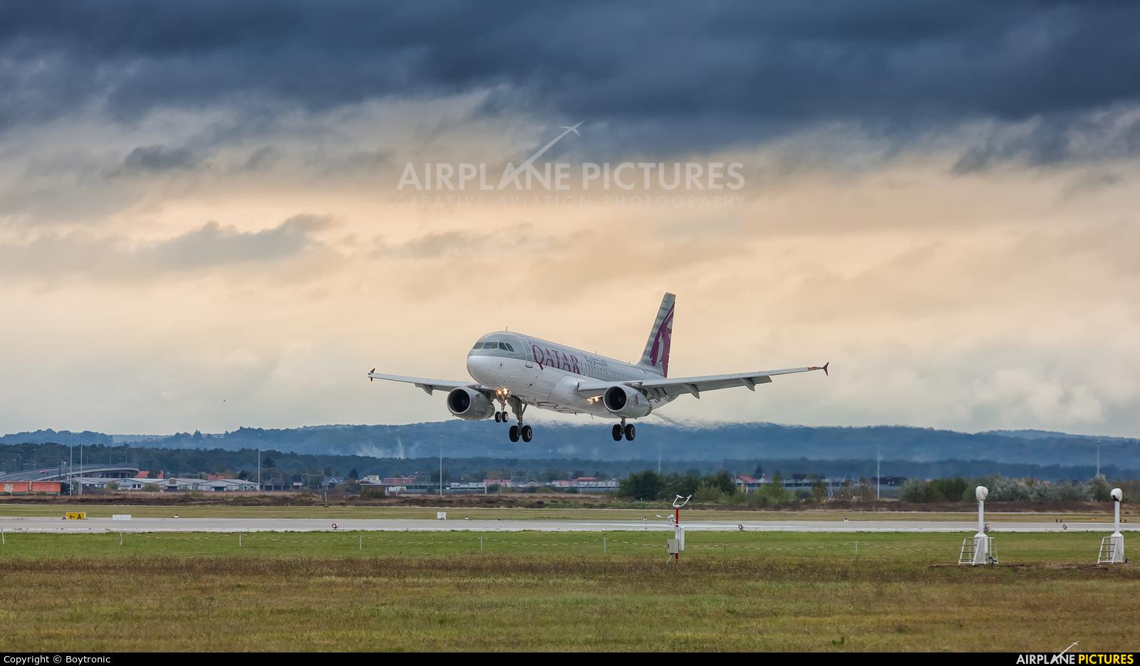 Qatar Airways A7-AHG aircraft at Zagreb