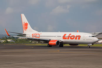 PK-LPJ - Lion Airlines Boeing 737-800