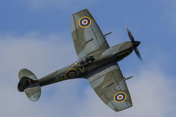 "TE311 - Royal Air Force ""Battle of Britain Memorial Flight"" Supermarine Spitfire"