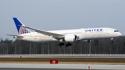 N26952 - United Airlines Boeing 787-9 Dreamliner
