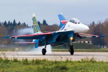 "33 - Russia - Air Force ""Russian Knights"" Sukhoi Su-30SM"