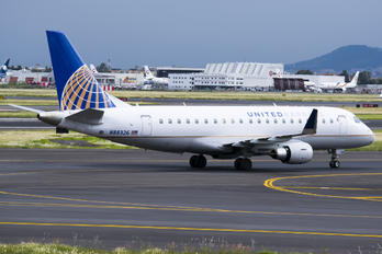 N88326 - United Express Embraer ERJ-175 (170-200)