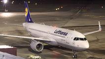 D-AIUF - Lufthansa Airbus A320 aircraft