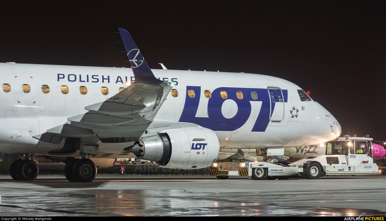 LOT - Polish Airlines SP-LDI aircraft at Poznań - Ławica