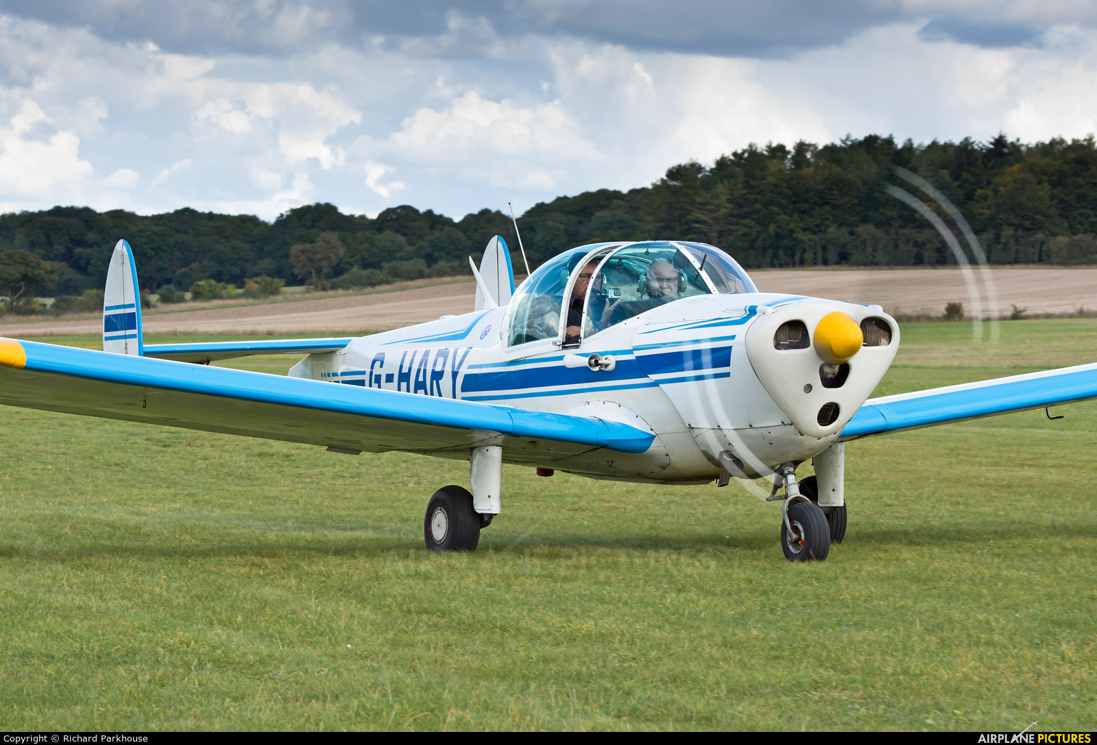 Private G-HARY aircraft at Popham