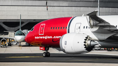 LN-LNG - Norwegian Long Haul Boeing 787-8 Dreamliner