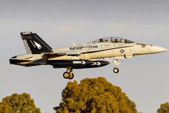 164880 - USA - Marine Corps McDonnell Douglas F-18D Hornet