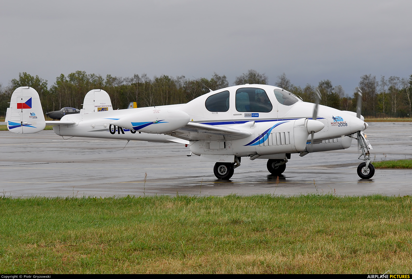 Private OK-OFI aircraft at Hradec Králové