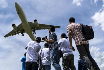 N974AV - Avianca - Aviation Glamour - People, Pilot
