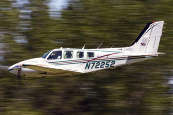 N72252 - Private Beechcraft 58 Baron