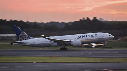 N78003 - United Airlines Boeing 777-200ER
