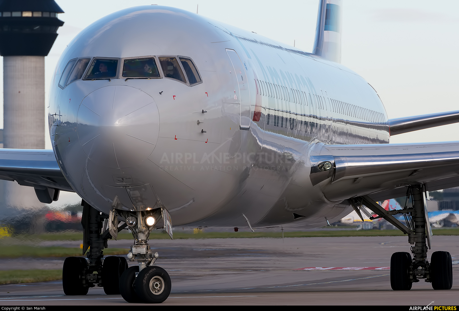 American Airlines N399AN aircraft at Manchester