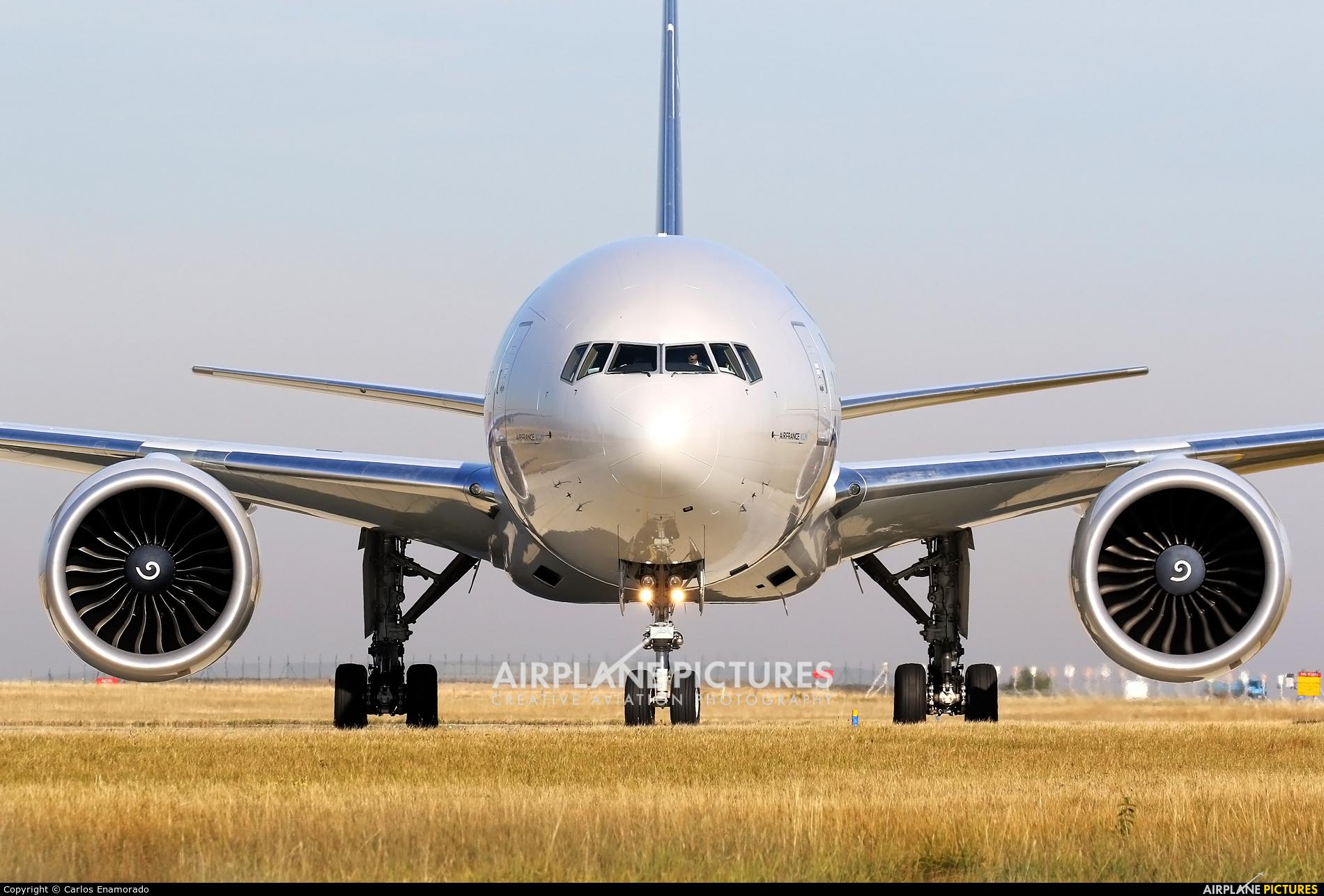Air France F-GZNT aircraft at Paris - Charles de Gaulle