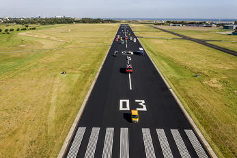 - -  - Airport Overview - Runway, Taxiway