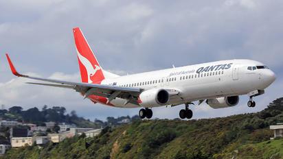 ZK-ZQH - QANTAS Boeing 737-800