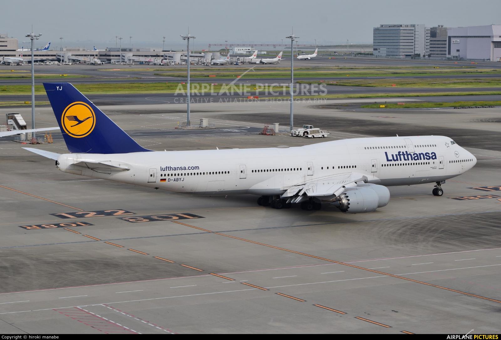 Lufthansa D-ABYJ aircraft at Tokyo - Haneda Intl