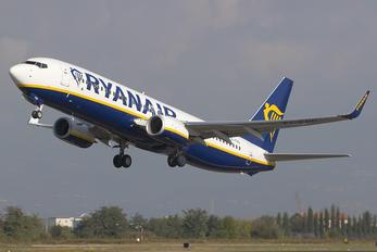 EI-FRD - Ryanair Boeing 737-800