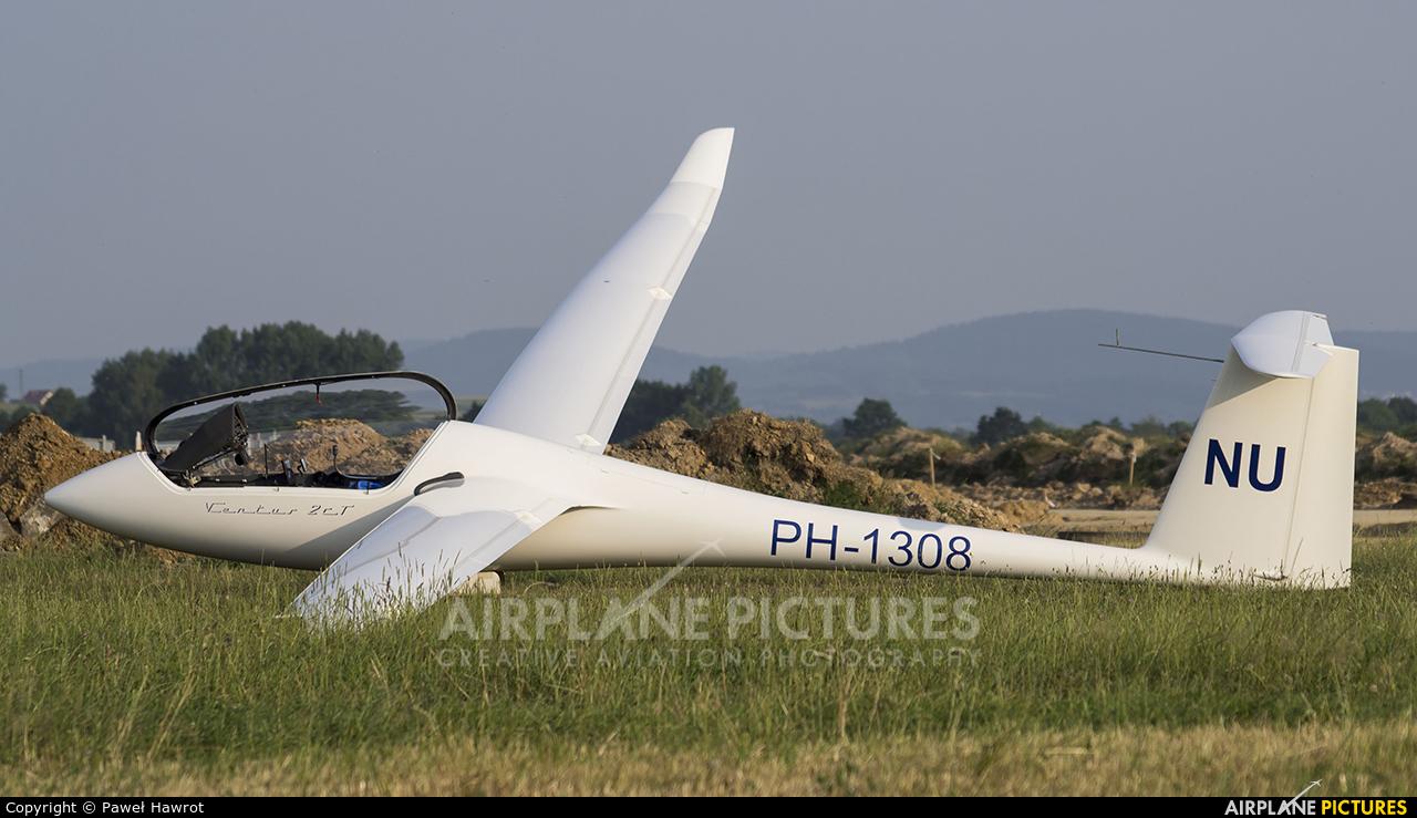 Private PH-1308 aircraft at Krosno