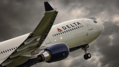 N828NW - Delta Air Lines Airbus A330-300