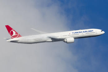 TC-LKA - Turkish Airlines Boeing 777-300ER