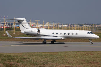 M-SQAR - Private Gulfstream Aerospace G-V, G-V-SP, G500, G550