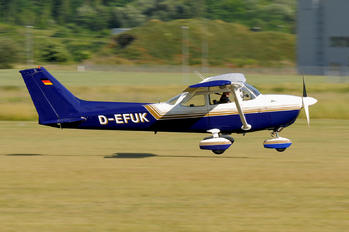 D-EFUK - Private Cessna 172 Skyhawk (all models except RG)