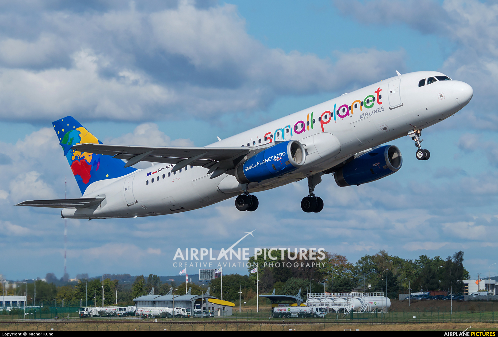 Small Planet Airlines SP-HAH aircraft at Gdańsk - Lech Wałęsa