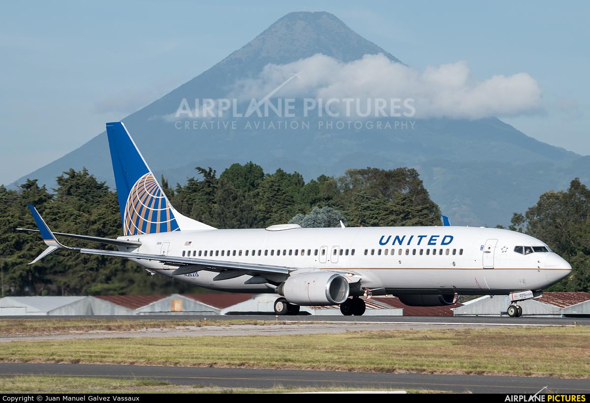 United Airlines N26215 aircraft at Guatemala - La Aurora