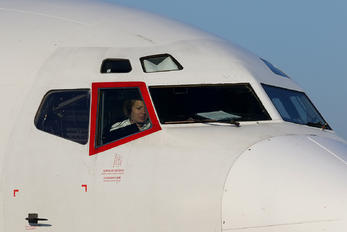 F-GZTK - ASL Airlines Boeing 737-4Q8