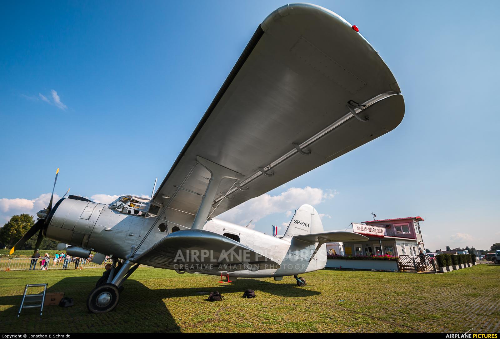Classic Wings SP-FAH aircraft at Völtendorf
