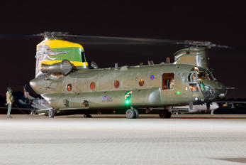 ZA683 - Royal Air Force Boeing Chinook HC.4