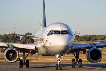 D-AISN - Lufthansa Airbus A321