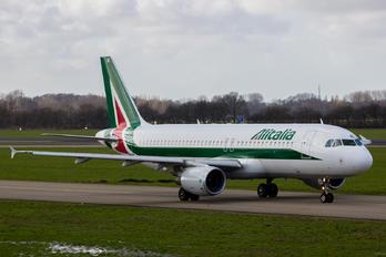 EI-EIB - Alitalia Airbus A320