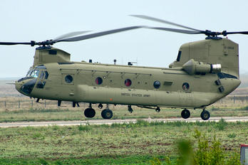 13-08132 - USA - Army Boeing CH-47F Chinook