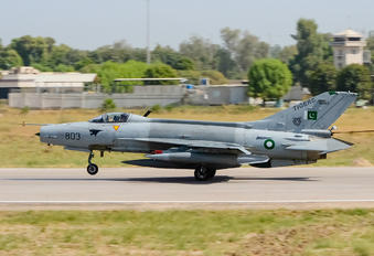 01-803 - Pakistan - Air Force Chengdu F-7PG