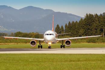 G-EZNM - easyJet Airbus A319