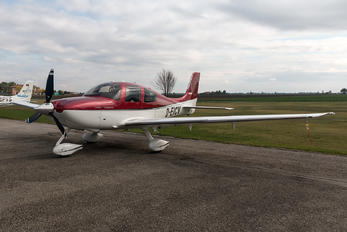 D-EICV - Private Cirrus SR22