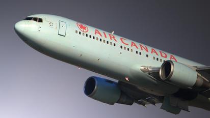 C-GDUZ - Air Canada Boeing 767-300ER