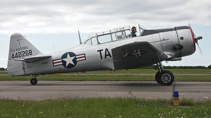 LN-TEX - Private North American Harvard/Texan (AT-6, 16, SNJ series)
