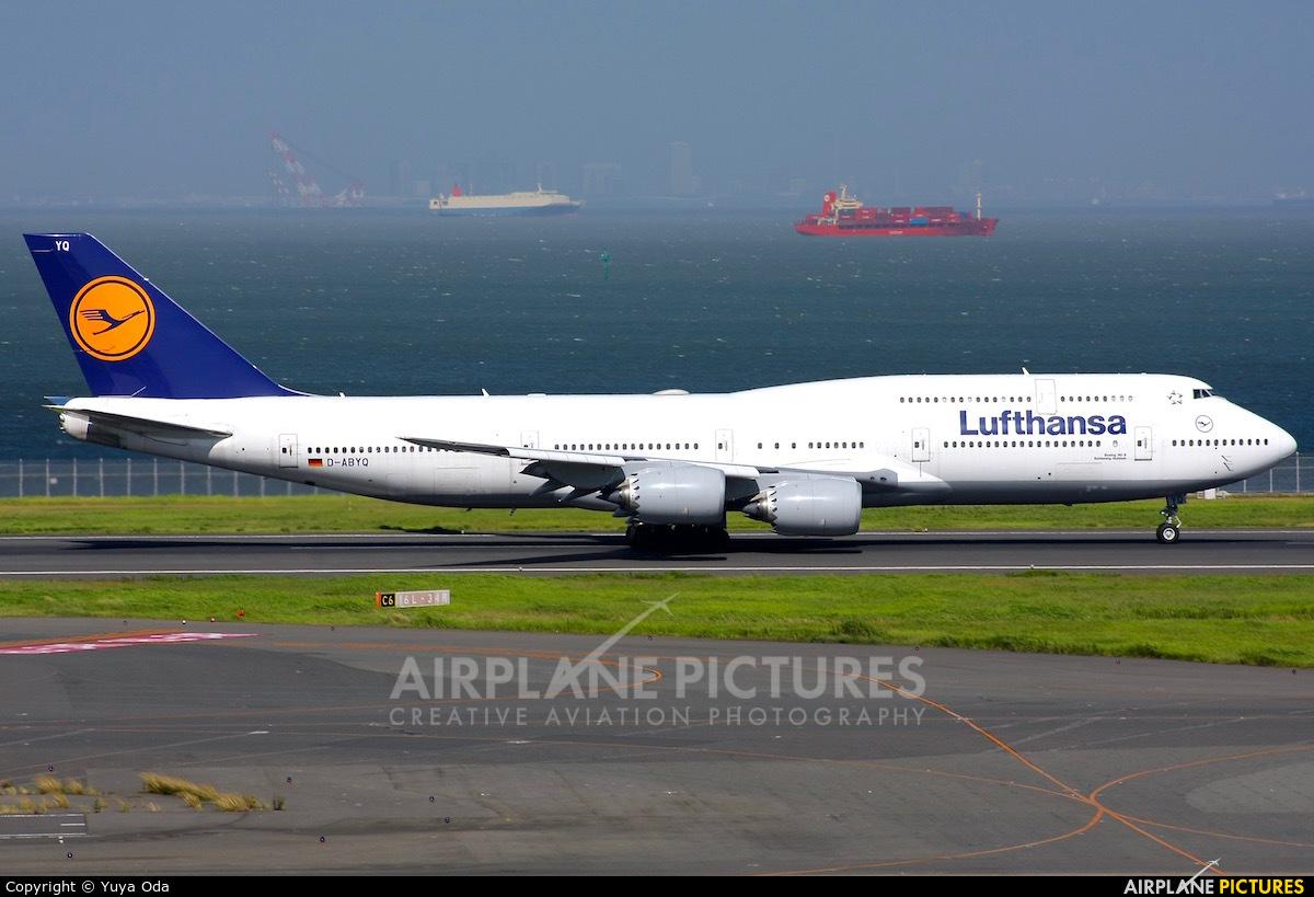 Lufthansa D-ABYQ aircraft at Tokyo - Haneda Intl